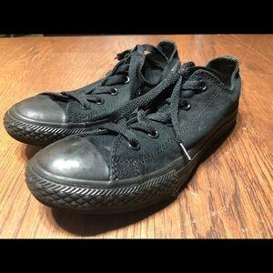 Converse black low top lace up size 3